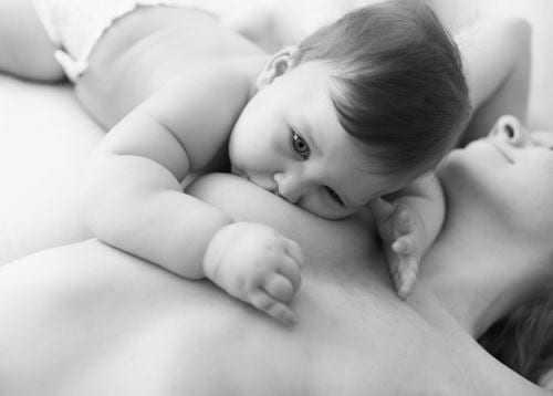 Breastfeeding: 7 Tips For Keeping Your Confidence