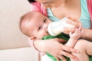 Mixing Breastmilk and Formula - Is It Okay?