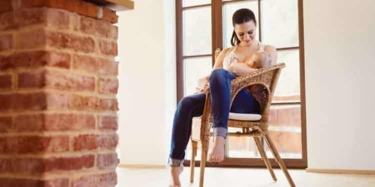 Not Breastfeeding May Increase The Risk Of Leukaemia, But...