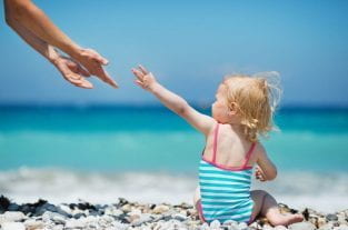 Travelling With A Toddler - 8 Tips For An Enjoyable Holiday