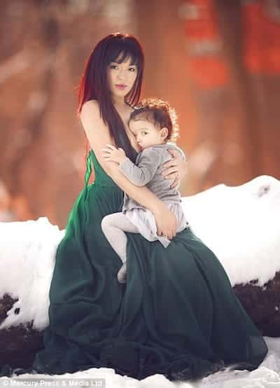 Beautiful Images Normalise Extended Breastfeeding