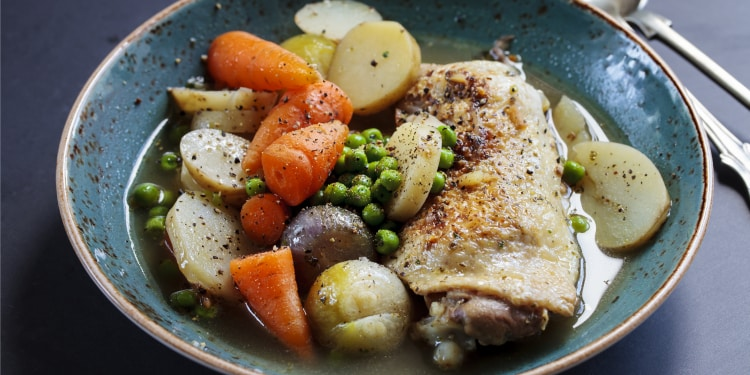 slow cooker braised chicken onions potatoes peas recipe